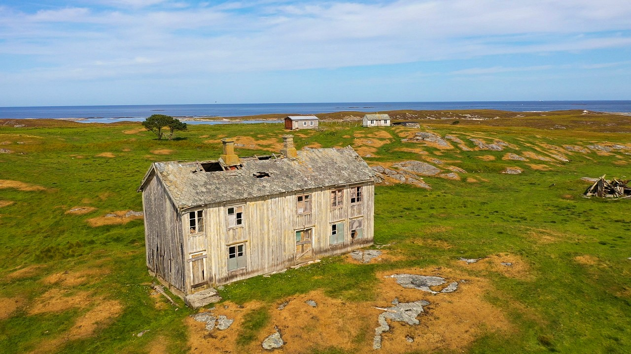 Free stock footage: Abandoned houses on an island