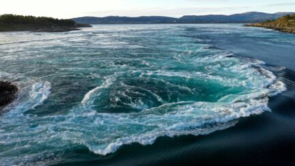Free stock footage: Tidal current on a summer evening
